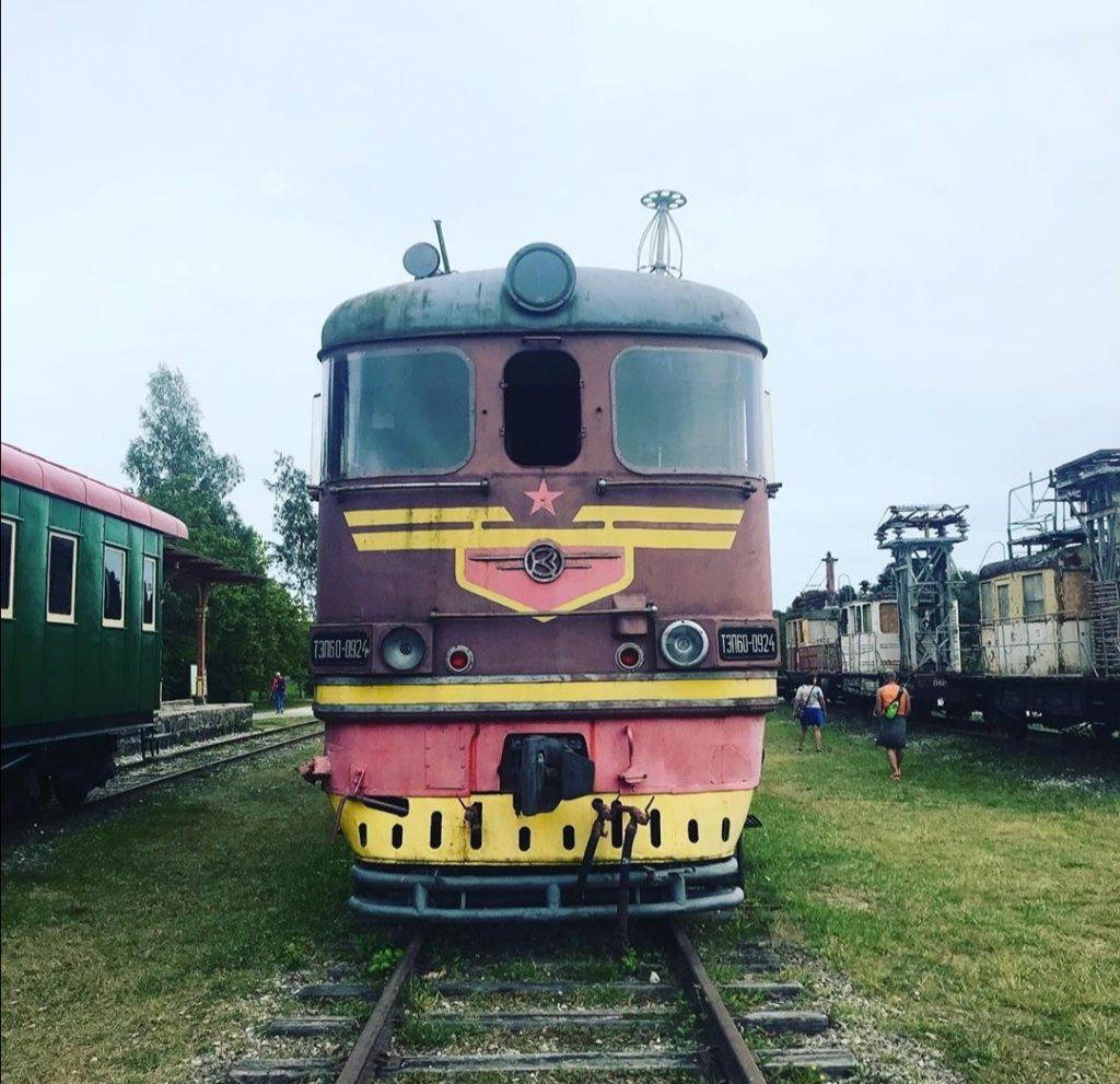 Tallinn in Estonia, stazione dei vecchi treni di Haapsaluu