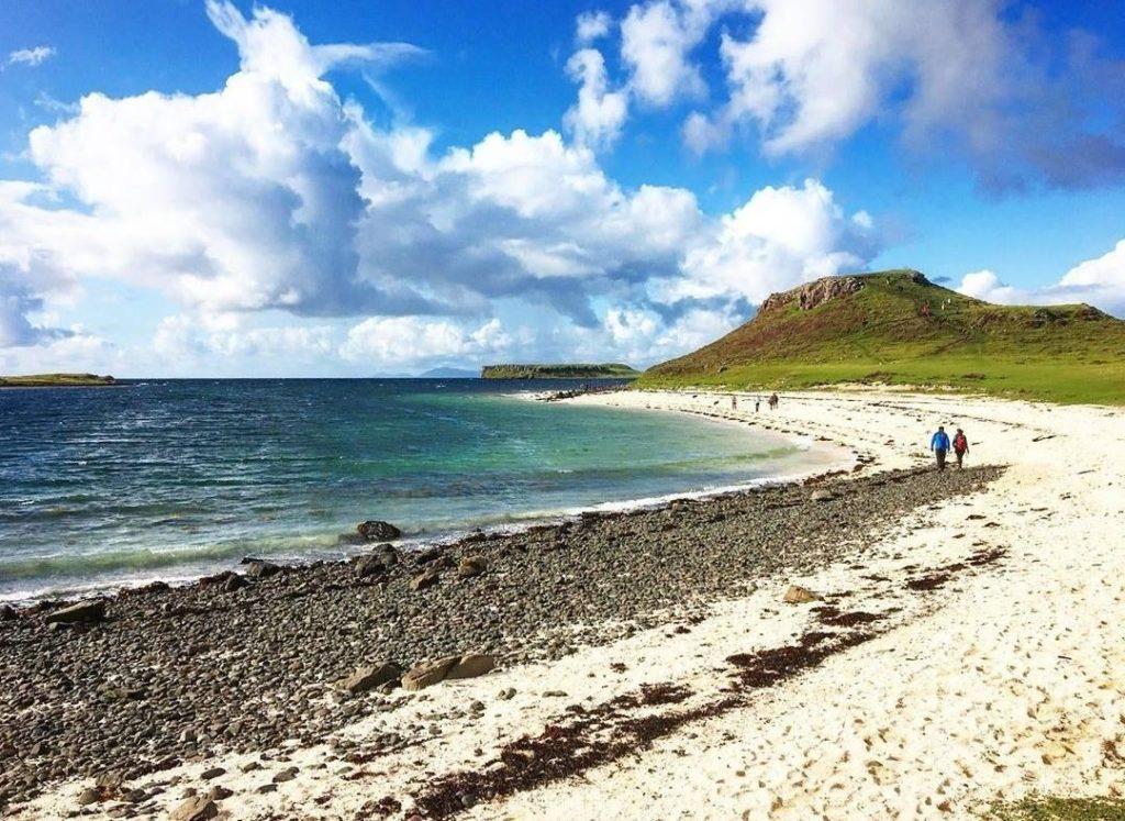 La Coral Beach è una delle più belle spiagge scozzesi e si trova proprio sull'isola di Skye.