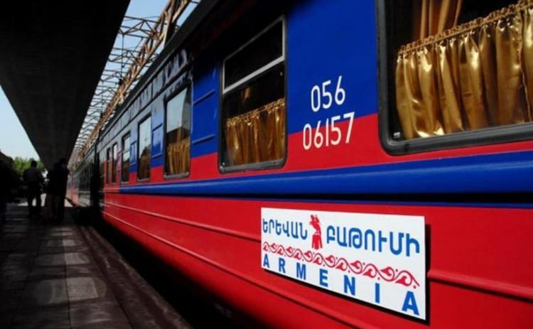 Viaggiare tra Tbilisi e Yerevan in treno notturno è una delle soluzioni più comode.