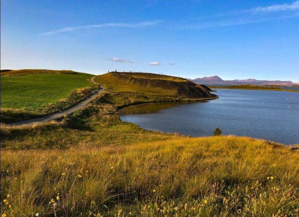 Il lago Mývatn in bicicletta:: gli pseudocrateri della regione sud.
