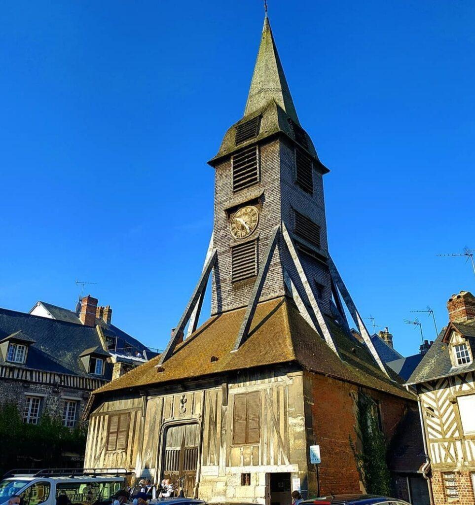 Normandia e Bretagna in Camper: l'antica chiesa di Honfleur