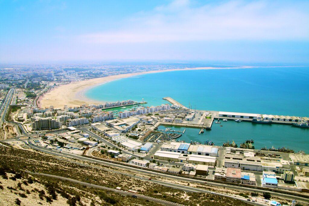 Vista dalla Kasbah sul porto di Agadir, in Marocco.