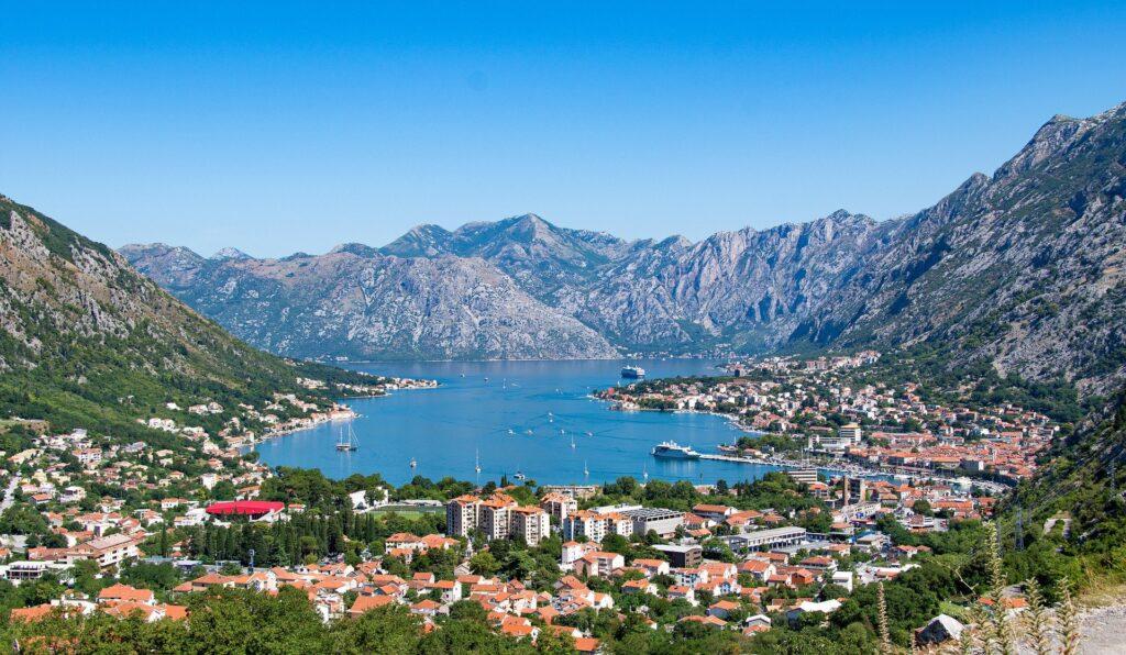 Città da visitare in europa: Kotor, Montenegro.