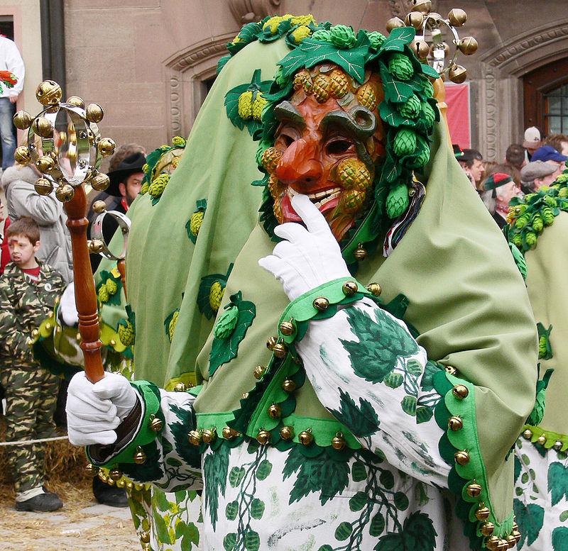 Carnevale Alemanno a Tettnang. Folle ispirato al raccolto dell'uva.