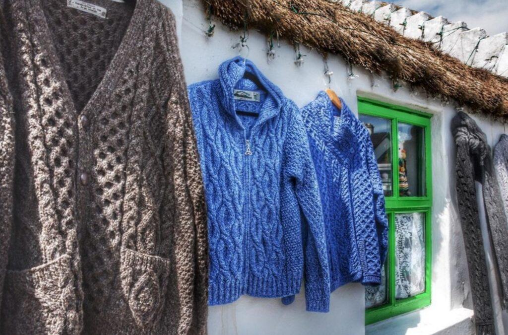 I maglioni fatti a mano delle Isole Aran.