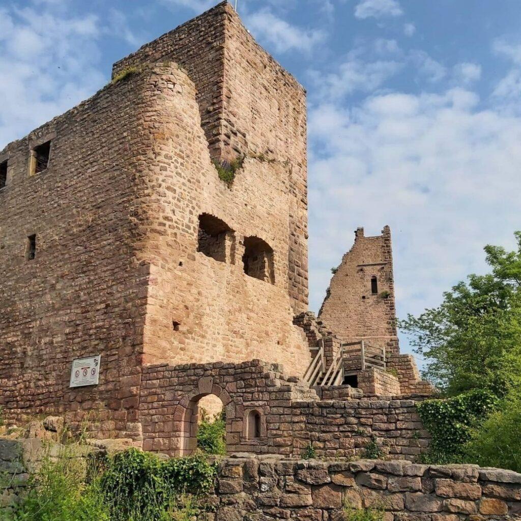 Eguisheim: immagini dei castelli nelle vicinanze.