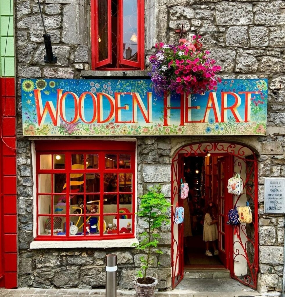 Negozi nel Latin Quartier visitabili a Galway in un giorno.